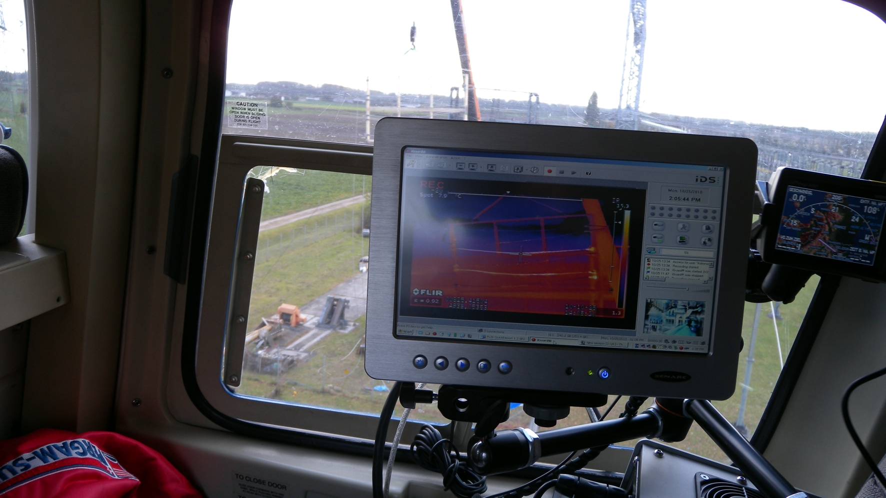 airbone-power-line-inspection-11
